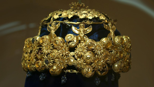 A gold and navy crown